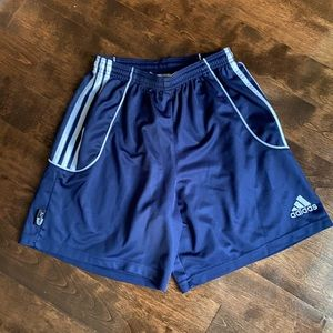 Adidas youth XL